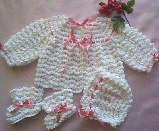 Bebek elbise ve hırka örnekleri